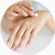Prenez soin de votre peau en l'hydratant et conservant sa jeunesse avec le cosmétique SynerJ-Health SynerSkin Alpha création des laboratoires du chercheur Jacques Prunier.